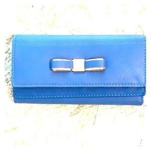 🆕 Blue Metal Bow Clutch Purse